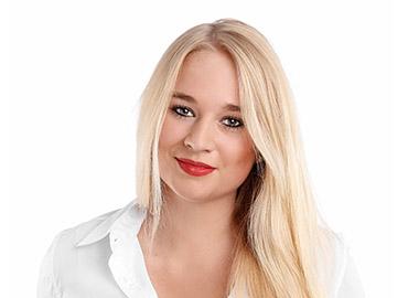 Laura Hagenow Portrait